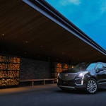 XT5クロスオーバー日本上陸1周年を祝う特別仕様車 Cadillac ギャラリー