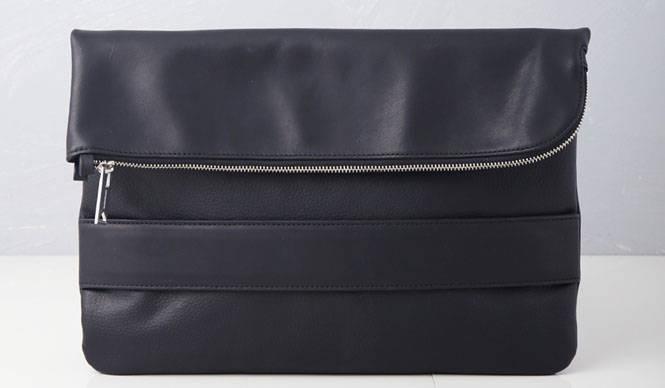 「ミハラヤスヒロ × ユナイテッド トウキョウ」のクラッチバッグが発売|UNITED TOKYO