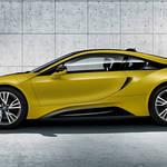 鮮やかなマットイエローのi8限定モデル|BMW