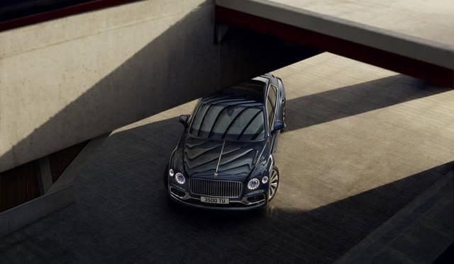 フルモデルチェンジしたベントレーの快速サルーン「フライングスパー」がデビュー|Bentley