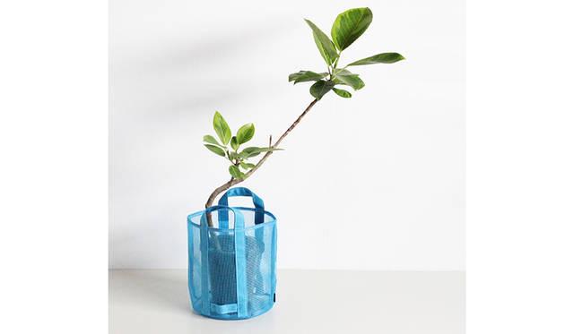 「TEMBEA」別注のナイロン製鉢カバー。メッシュ素材は植物の管理に最適|Araheam