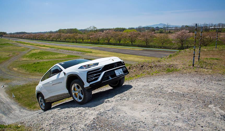 ランボルギーニ ウルスにオフロードで試乗|Lamborghini