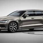 ボルボV60 PHEVモデルにベースグレードを追加|Volvo