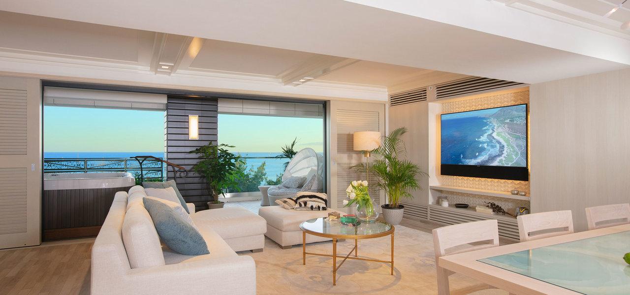 ワイキキビーチ前に全スイートルームの新ホテルが誕生|TRAVEL