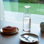 美しくミニマルなデザインのガラスボトル「MINIMA」 | HOLMEGAARD