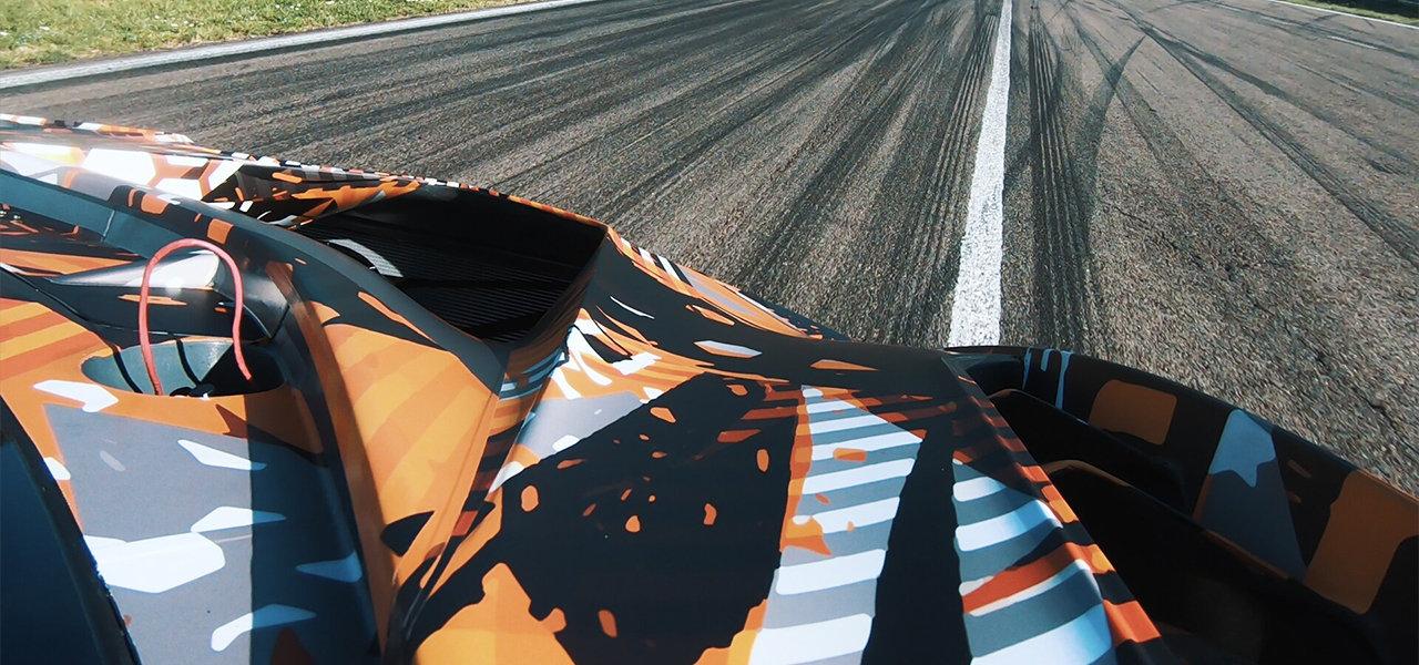 ランボルギーニ、2020年夏公開予定のサーキット専用ハイパーカーのテスト走行を開始|Lamborghini