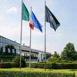 ランボルギーニ が5月4日から生産再開へ|Lamborghini