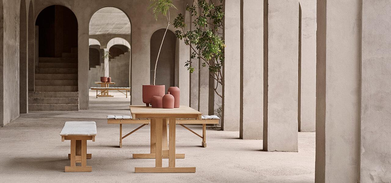 ボーエ・モーエンセンの折りたたみ式アウトドアテーブル&ベンチ|CARL HANSEN & SØN