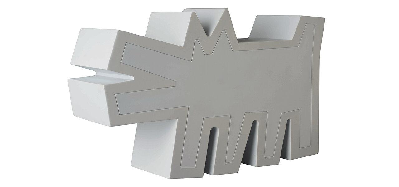 キース・へリングの「吠える犬」が立体造形に。Barking Dog STATUE WHITE Ver. |メディコム・トイ