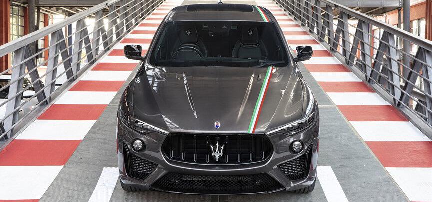 イタリア国旗に敬意を表した5台限定のレヴァンテ トロフェオ Maserati