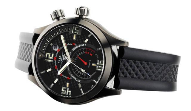 <strong>Ball Watch|ボール・ウォッチ</strong> エンジニアマスター&#08545; ダイバーTMTは、世界記録を保持するフリーダイバーのギョーム・ネリーとのコラボレーションで誕生。DLC(ダイヤモンド状硬質炭素)でコーティングされた限定モデル(写真)のほかレギュラーのSSモデルもある。