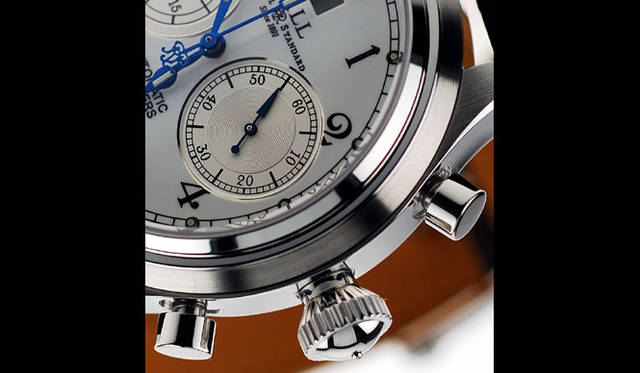 <strong>Ball Watch|ボール・ウォッチ</strong> トレインマスター キャノンボール。リューズの意匠にも懐中時計から着想を得たクラシカルな味わいが感じられる。(写真はプロトタイプのため現行商品と異なる場合があります)