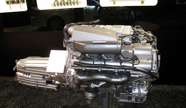 Cクラスのコンパクトなボディに、なんと457psの6.3リッターV8エンジンを搭載。0-100km/hを4.5秒でこなす。