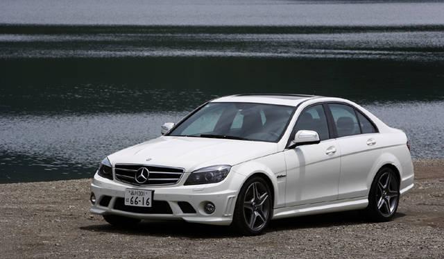 <b>Mercedes-Benz C63AMG|メルセデス・ベンツC63AMG</b><br>ボディサイズは、全長4720mm×全幅1795mm×全高1440mm。