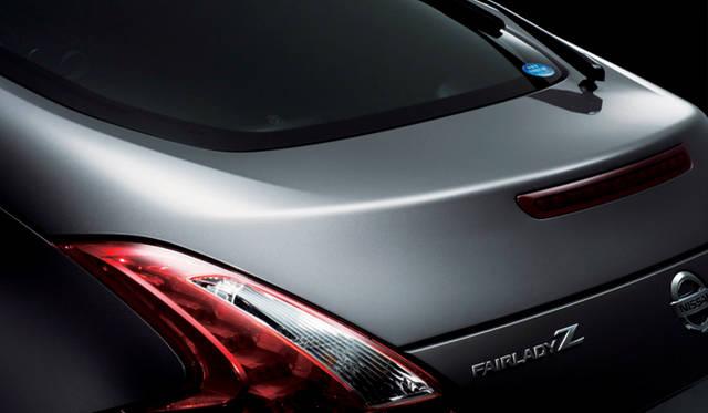 <b>NISSAN FAIRLADY Z|日産フェアレディZ</b><br>ボディ全体が、繊細かつダイナミックな面とシャープなエッジで構成されている新型Z。デザインのクオリティも飛躍的に向上している。
