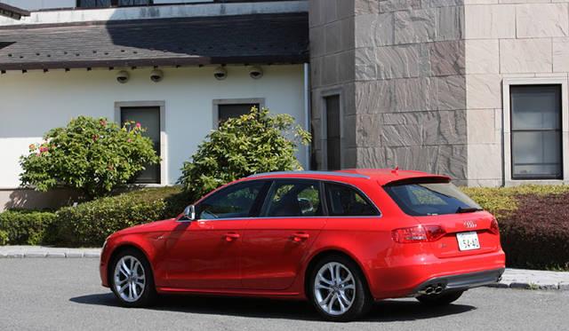 <b>Audi S4|アウディ S4</b>