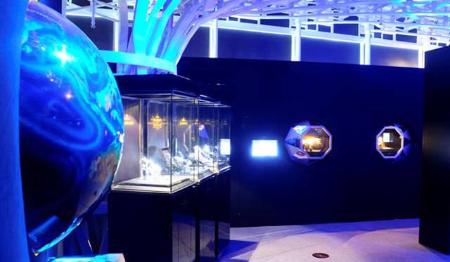 オメガ スピードマスター月着陸40周年記念エキシビション (写真=上重泰秀)