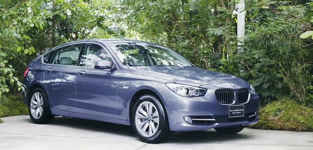New BMW GRAN TURISMO|ニュー BMW グランツーリスモ ボディサイズは535i、550iともに全長5000×全幅1900×全高1565mm。タイヤは、535iには18インチが、550iには19インチが標準装備される。(写真は535i)