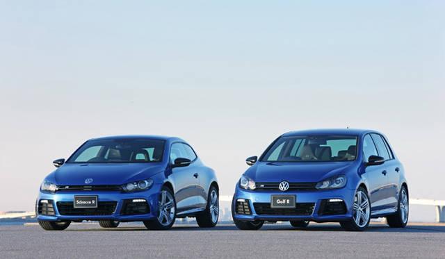 <em>Volkswagen Scirocco R|フォルクスワーゲン シロッコR 右はフォルクスワーゲン ゴルフR</em>
