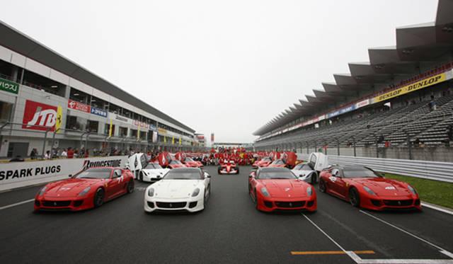 F1、FXX、599XXの迫力の揃いぶみ