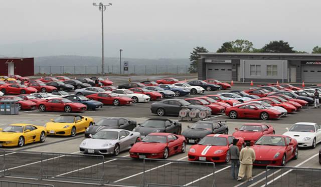 約600台ものフェラーリが集結