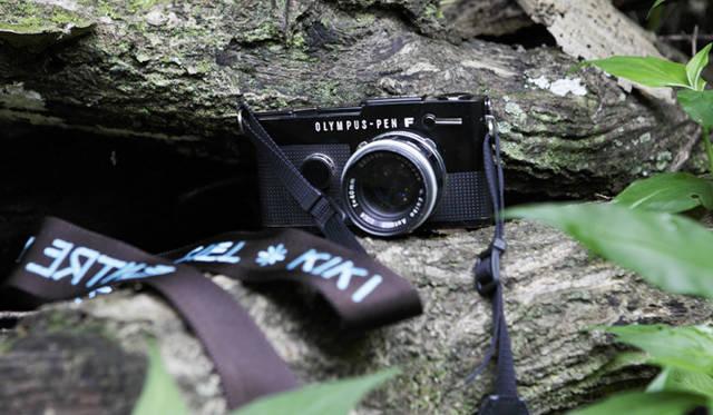 トレッキング特集|KIKIインタビュー アンティークのカメラはトレッキングに必ず持参。