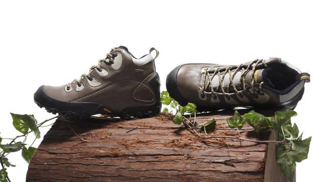 <b>Patagonia Footwear パタゴニア フットウェア</b> 「ノマド・ゴアテックス」 (2万9400円)