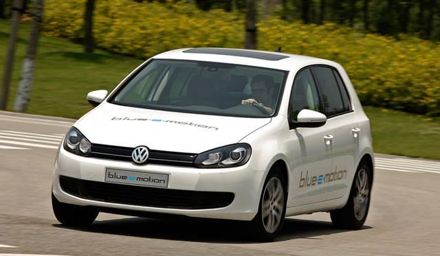 <b>Volkswagen Golf blue-e-motion|フォルクスワーゲン ゴルフ・ブルーeモーション</b>