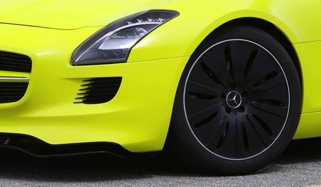 <b>Mercedes Benz|メルセデス SLS AMG<br></b>フロントフェンダー&ホイール