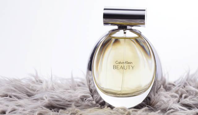 フレグランス特集 <strong>Calvin Klein(カルバン クライン)</strong> カルバン クライン ビューティ オードパルファム 9345円(50mL)