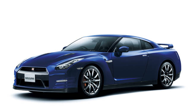 <strong>日産|NISSAN GT-R</strong><br>オーロラフレアブルーパール