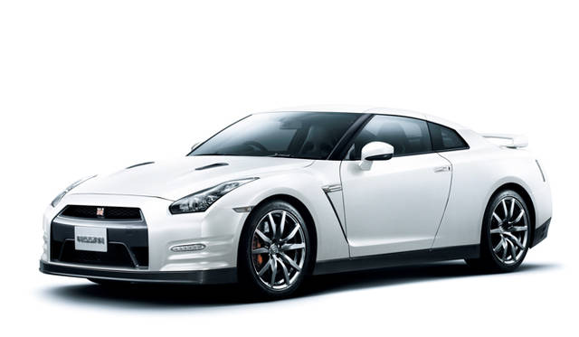 <strong>日産|NISSAN GT-R</strong><br>ブリリアントホワイトパール