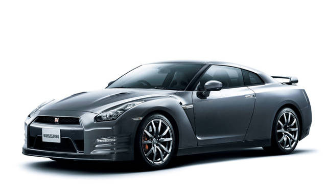 <strong>日産|NISSAN GT-R</strong><br>ダークメタルグレー