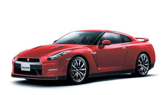 <strong>日産|NISSAN GT-R</strong><br>バイブラントレッド