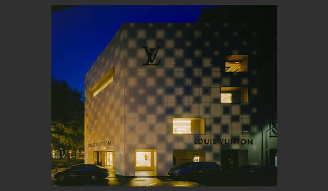 <strong>特集|OPENERS的ニッポンの女性建築家 乾久美子</strong> 『Louis Vuitton Taipei Building』 (2006年) 写真=阿野太一