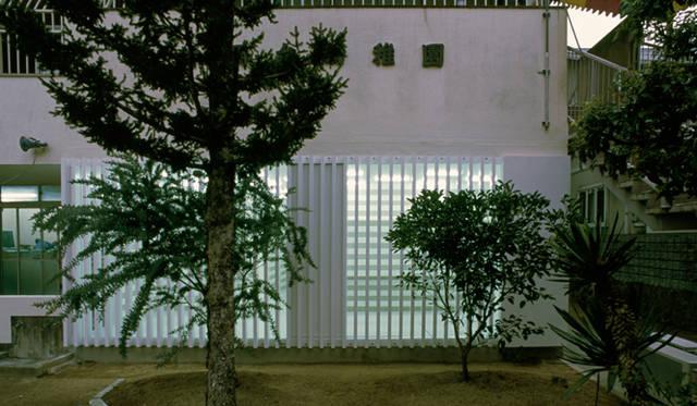 <strong>特集|OPENERS的ニッポンの女性建築家 乾久美子</strong> 『片岡台の幼稚園の改装』 (2001年) 写真=高橋 堅