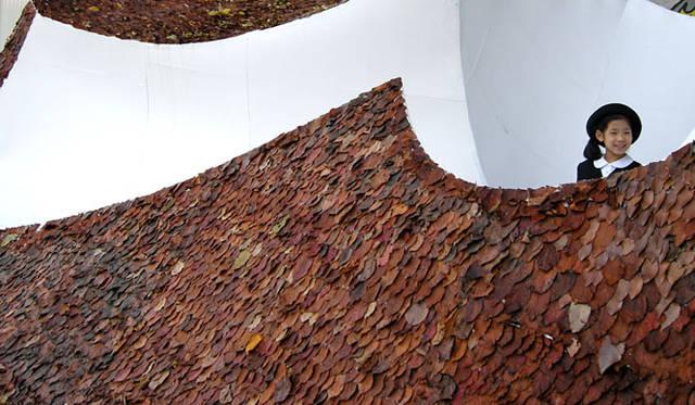 <strong>特集|OPENERS的ニッポンの女性建築家 大西麻貴</strong> 『都市の中のけもの、屋根、山脈』 (2008年・多摩美術大学長谷川ゼミ企画展ダブルクロノス展インスタレーション)