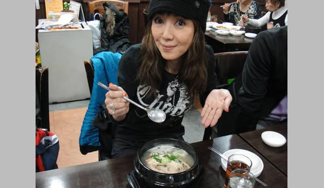 <strong>戸田恵子|社員旅行 in ソウル!</strong> 最終日のランチはサムゲタン。本場の味に舌包み!