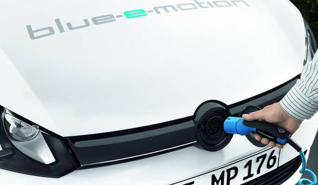 <strong>Volkswagen GOLF blue e-motion|フォルクスワーゲン ゴルフ ブルー e モーション</strong>