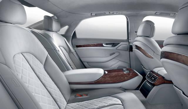 <strong>Audi A8|アウディ A8</strong> シートポジションの電動調節、マッサージ機能などの装備も充実。