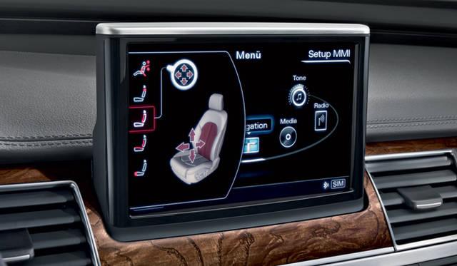 <strong>Audi A8|アウディ A8</strong> シートの蒸れや、マッサージ機能などをMMIタッチでコントロールすることができる。
