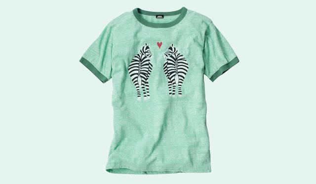 <strong>BOHEMIANS|ボヘミアンズ</strong> 人気の「LOVE ZEBRA」シリーズから、Tシャツが登場。中央に大胆にプリントされたゼブラはインパクト大! コーディネイトのアクセントにお薦め。