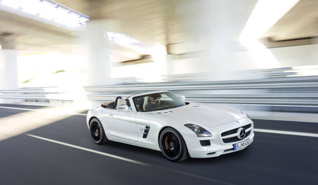 "<strong>Mercedes-Benz SLS AMG Roadster|メルセデス・ベンツ SLS AMG ロードスター</strong><br /><br /><img class=""vmid"" src=""/wp-content/uploads/2011/05/314704/left_red_yajirusi.jpg"" alt=""矢印""><a href=""/article/12044?op=613""><strong> 記事に戻る</strong></a>"