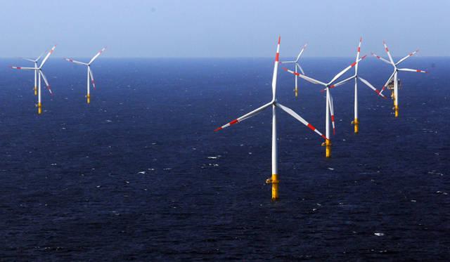 <strong>現地報告 ドイツのエネルギー事情</strong>    ドイツ北部の都市、ツィングシュト沿岸に建設された大規模風力発電施設「バルチック1」。&#169;Getty Images