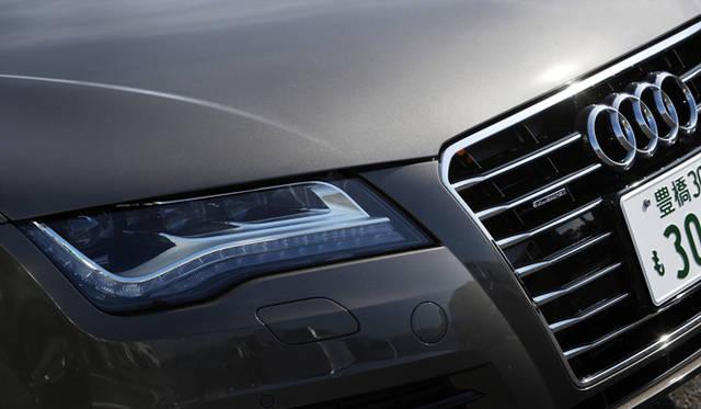<strong>Audi A7 Sportback|アウディ A7 スポーツバック</strong> オプションで設定可能なLEDヘッドライト。太陽光に近い発光性をもち、長寿命、低電費を特徴とする。