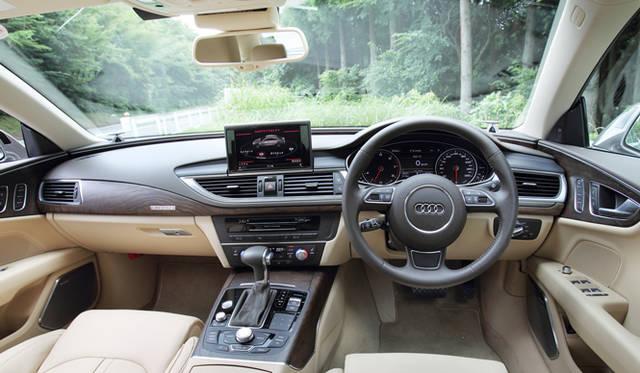 <strong>Audi A7 Sportback|アウディ A7 スポーツバック</strong> 上質な室内空間は、熟練のクラフツマンチームによって生み出される。