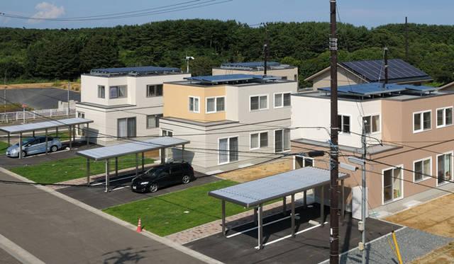 <strong>あたらしい時代づくりに取り組むひとと企業──トヨタ自動車編</strong> 青森県六ケ所村でおこなわれている「六ヶ所村スマートグリッド実証実験」のスマートハウス。