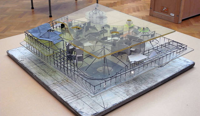 <strong>特集|OPENERS的ニッポンの若手建築家 PARTII 南後由和</strong> Constant Nieuwenhuys「New Babylon」(Gemeentemuseum Den Haag) Photo by Yoshikazu Nango