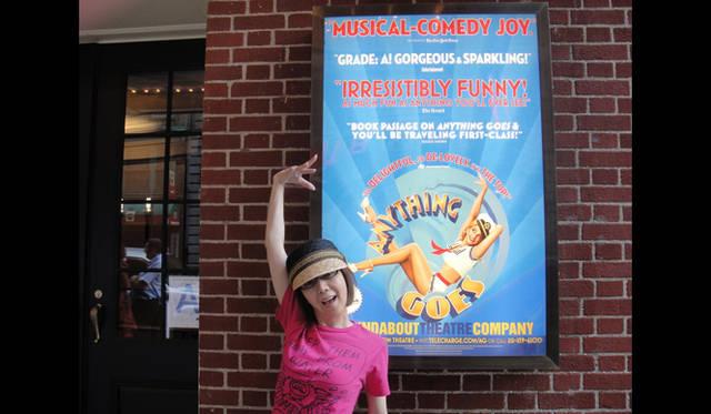 <strong>戸田恵子|慌ただしくも充実した、夏を振り返る その2 ニューヨーク観劇三昧!</strong><br />今回の観劇本数は日曜・月曜・火曜・水曜・水曜・木曜と6本。金曜にニューヨークを発って、土曜に帰国。翌日曜日からはもう仕事(笑)。こんなハードスケジュールでも、今年のニューヨークは大満足! ブロードウェイ演目も豊作で、トニー賞直後ということもあり、活気に溢れていました。チケットも入手困難。大枚はたきましたよ……(泣)。