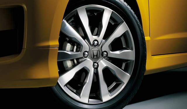 <strong>HONDA FIT ホンダ フィット</strong> 10周年記念特別仕様車専用16インチアルミホイール